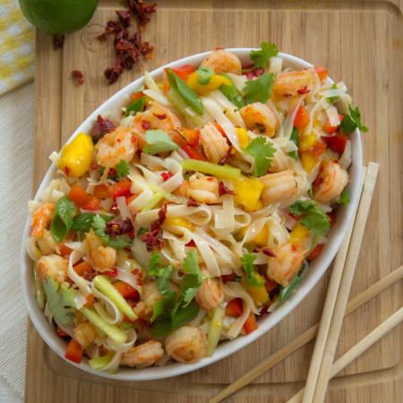 Tajska sałatka z mango i krewetkami