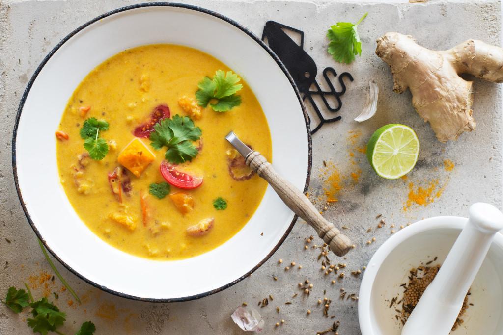 Curry-z-dynia-i-soczewica