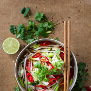 Tajski rosół drobiowy z trawą cytrynową i imbirem