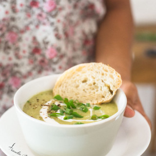 Zupa porowo-ziemniaczana z fasolką szparagową i szpinakiem