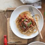 Podkręcone spaghetti bolognese.